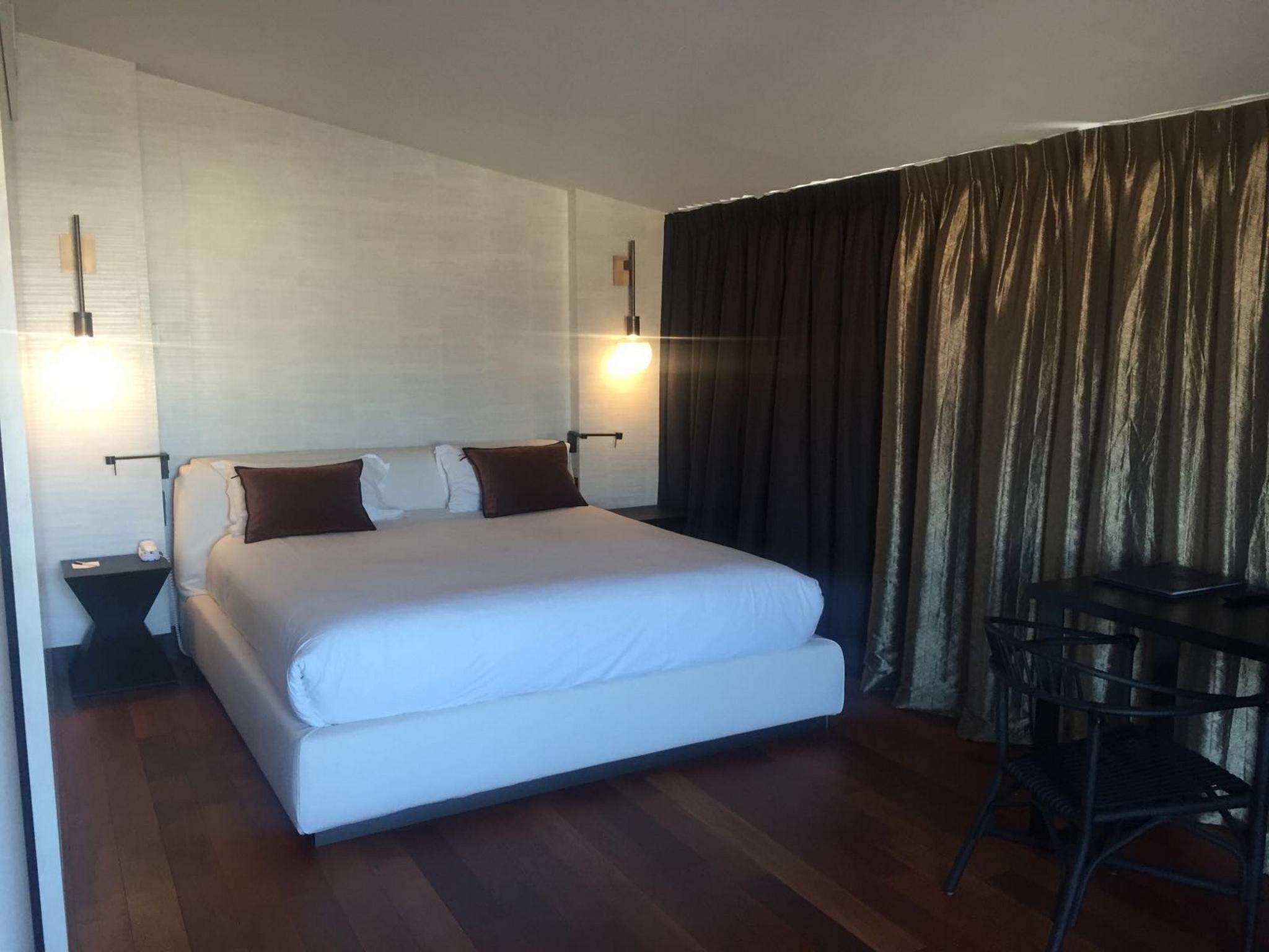 Suite Hotel Univers