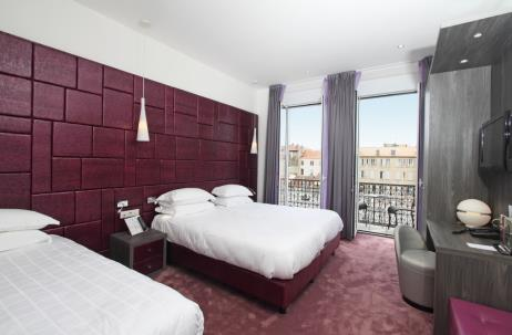 Hotel-deparis-cannes-balconytriple3rdfloor