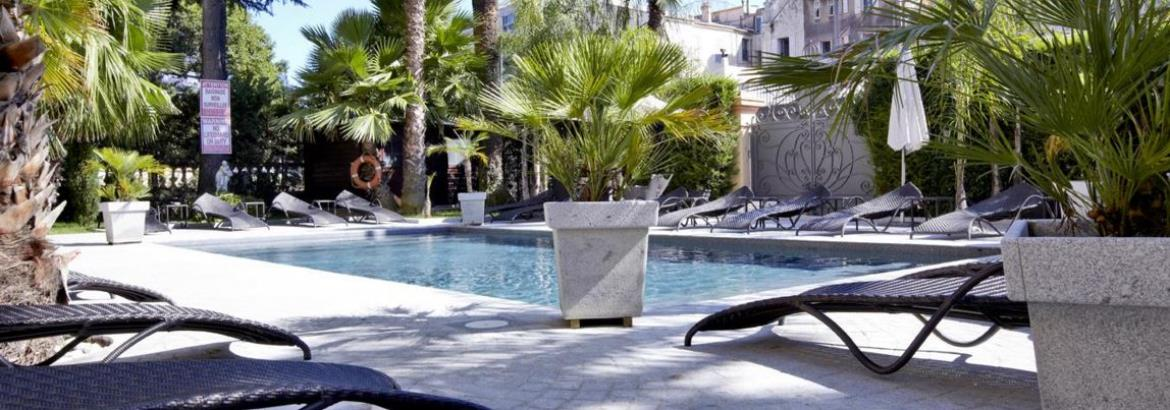 Hotel-deparis-cannes-swimming-pool-panorama-garden-wing