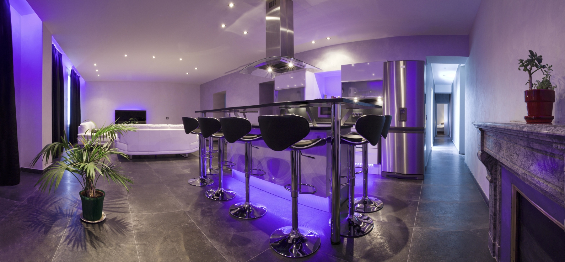 Luxury-Rental-A-salon-panoramique_1323112234