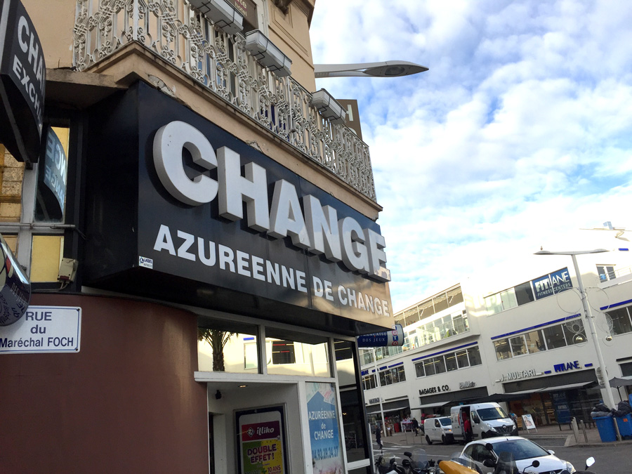 AZUREENNE DE CHANGE
